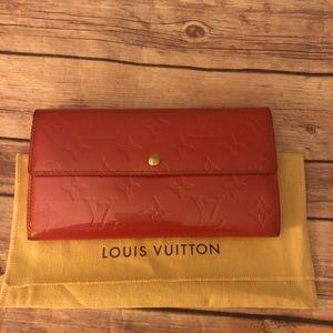 Louis Vuitton Vernis Sarah long bifold wallet